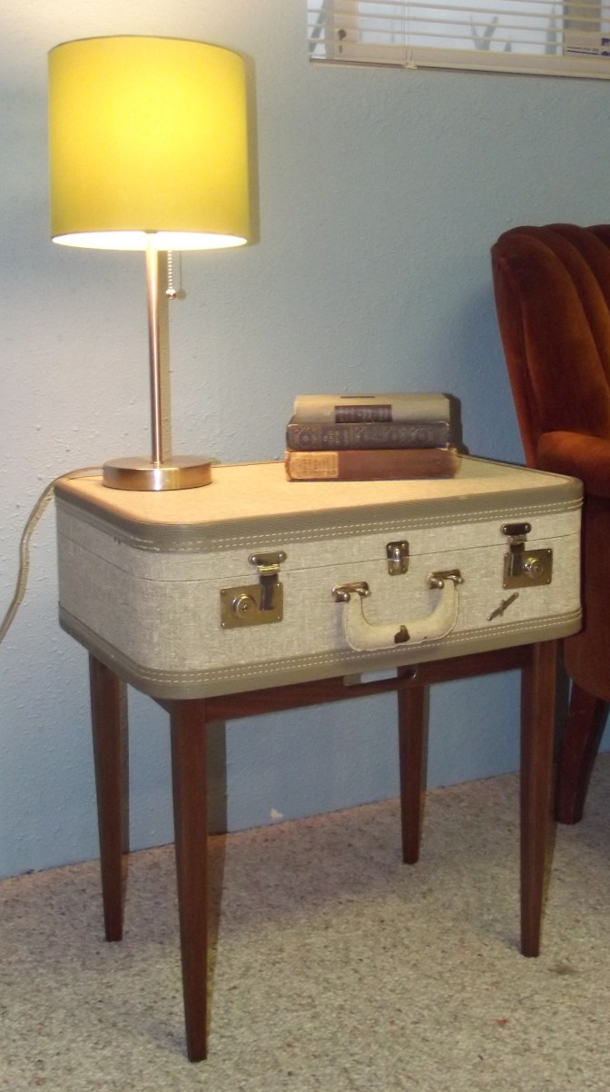 Vintage Suitcase Table Tutorial